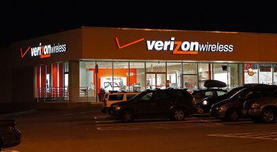 Verizon Wireless retail store - Saugus, Massachusetts/ Anthony92931 on WikiCommons