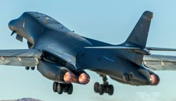 10 badass facts about the Boeing (Rockwell) B-1B Lancer