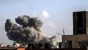 Israelis keep pounding Hamas following rocket attacks