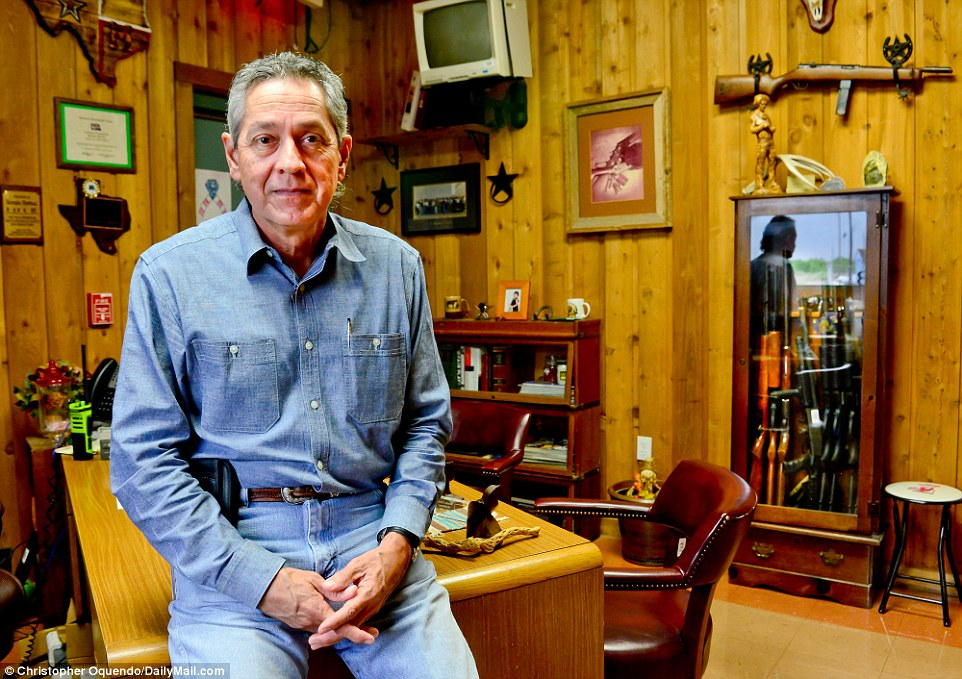 """Brooks County, Texas Sheriff Urbino """"Benny"""" Martinez is interviewed in """"Lara Logan Has No Agenda"""""""