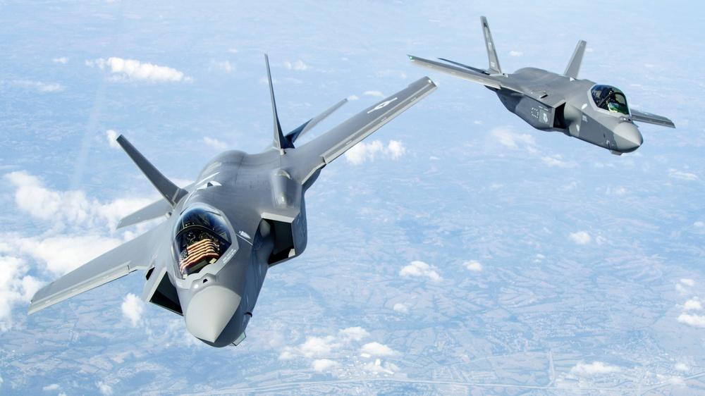 F-35 vs F-22