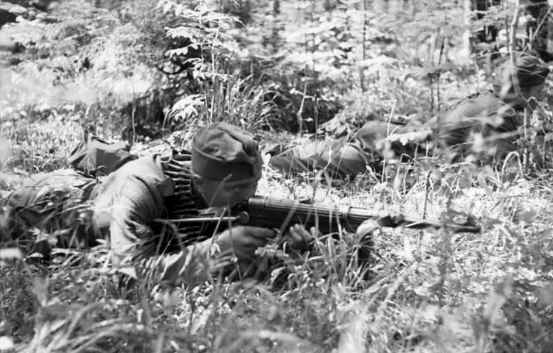 MP 40 German World War II Weapons