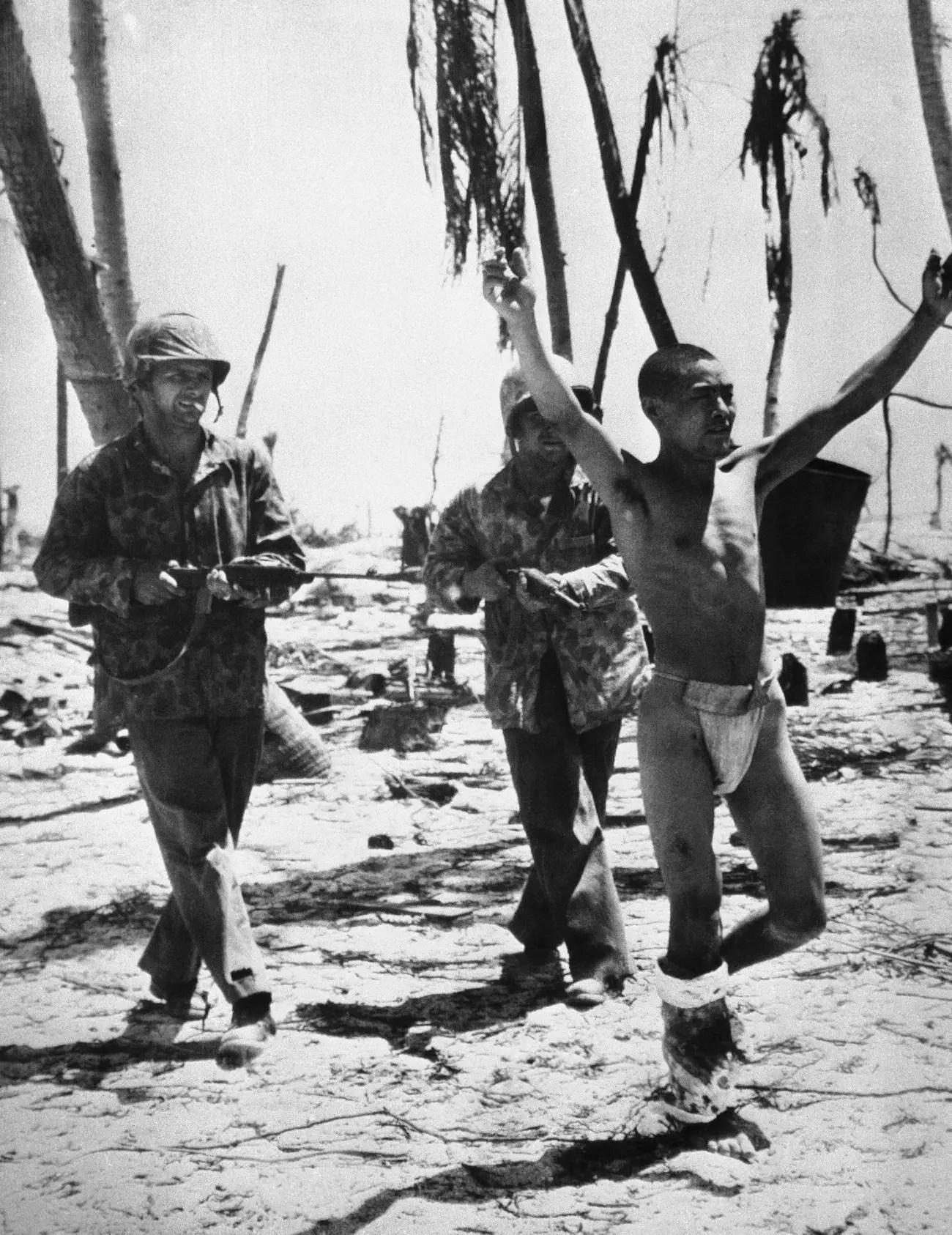 Japanese prisoner Battle of Tarawa