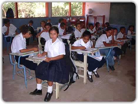 https://i1.wp.com/cms7.blogia.com/blogs/a/an/ant/antoncastro/upload/20060911095550-escuela-del-mundo.jpg