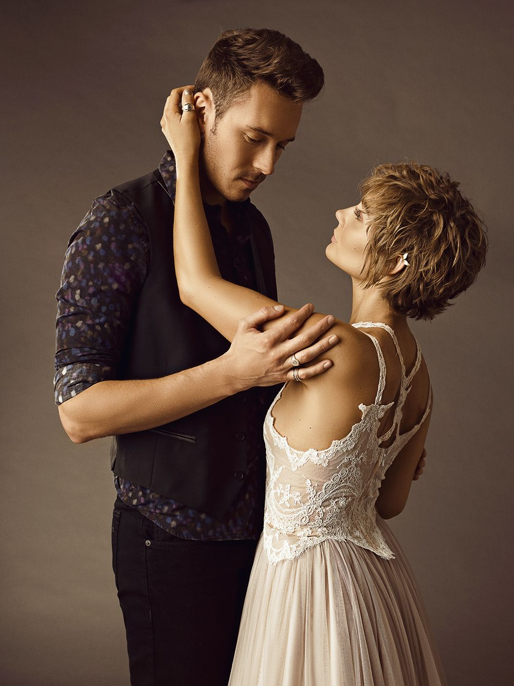 Sam Palladio & Clare Bowen as Gunnar Scott & Scarlett O'Connor