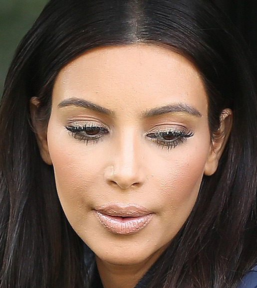 cliomakeup-cipria-quando-usarla-kim-kardashian-effetto-cakey
