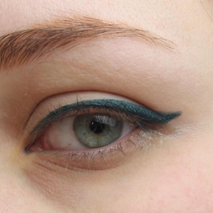 cliomakeup-recensione-deborah-eyeliner-puro-10