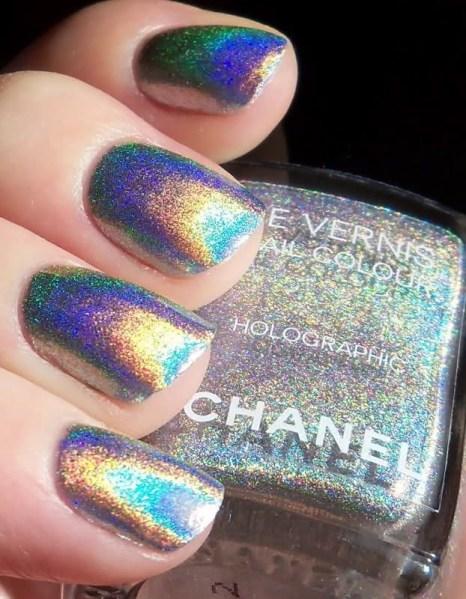 ClioMakeUp-accessori-tema-sirena-ariel-chanel-nail-polish