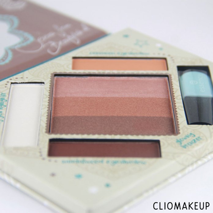 cliomakeup-recensione-the-glow-must-go-on-palette-essence-3