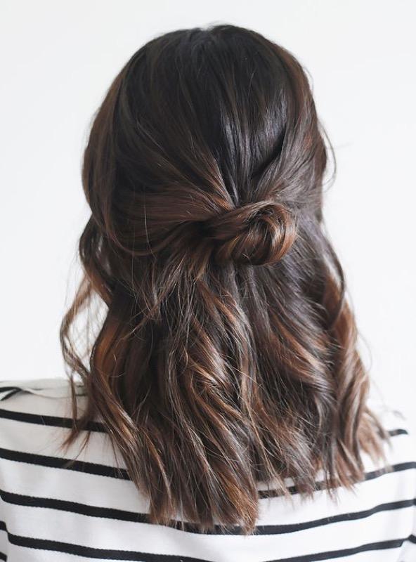 ClioMakeUp-capelli-semiraccolti-accontiatura-mezza-coda-7.jpg