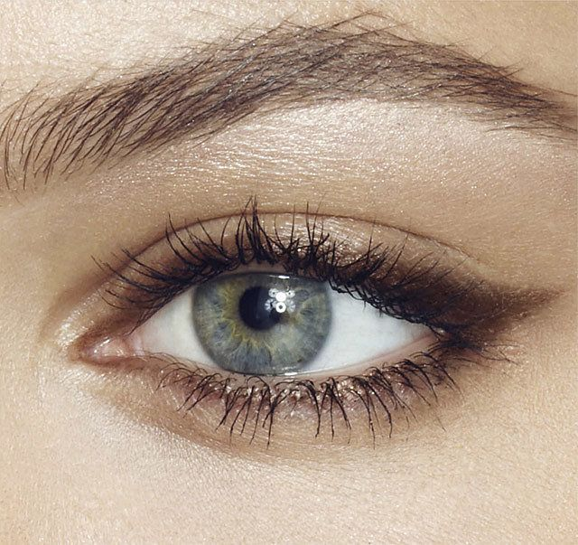 cliomakeup-migliori-ombretti-neri-4-eyeliner