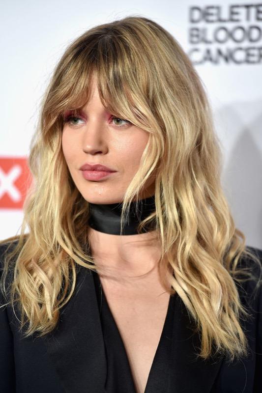ClioMakeUp-frangia-a-tendina-brigitte-bardot-trend-capelli-acconciature-look-giorno-sera--2