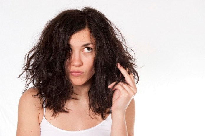ClioMakeUp-hair-dusting-capelli-rovinati