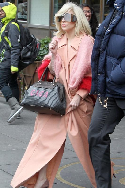 ClioMakeUp-celebrity-vestito-uguale-lady-gaga