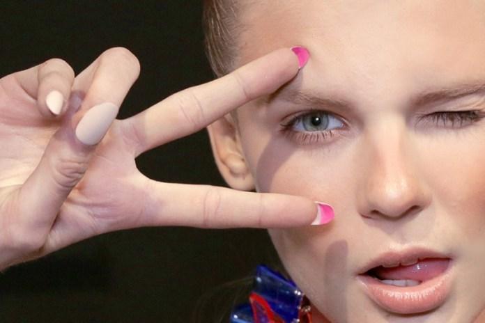 ClioMakeUp-flip-manicure-nail-art-unghie-lunghe-louboutin-smalto-15