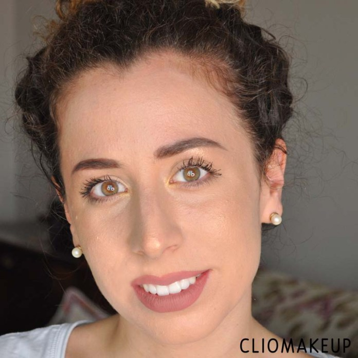 cliomakeup-recensione-illuminante-fenty-beauty-killawatt-freestyle-highlighter-15