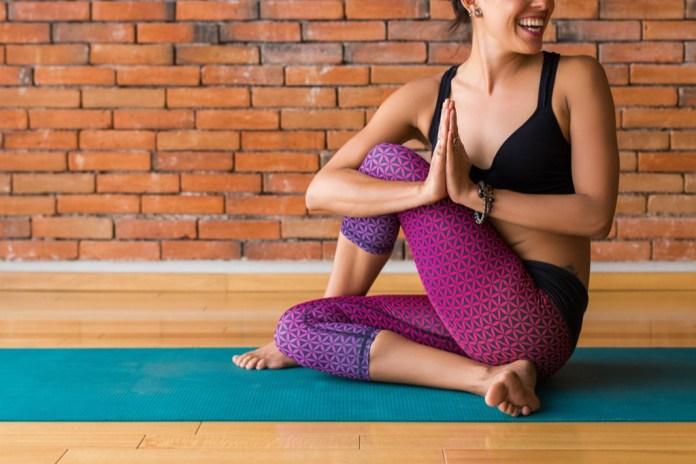 cliomakeup-yoga-benefici-corpo-1