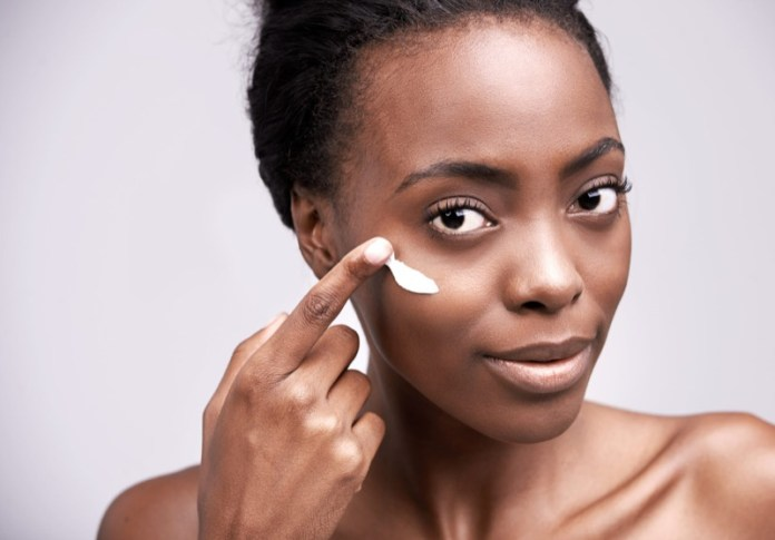 ClioMakeUp-trucco-makeup-anti-afa-estate-mac-prodotti-fix-plus-1