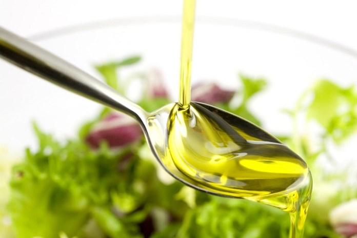 cliomakeup-calorie-nascoste-condire-olio-4
