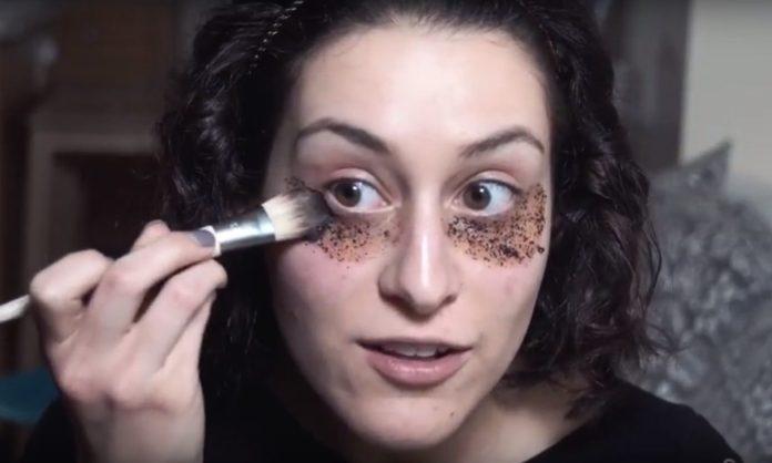 cliomakeup-usi-beauty-caffè-joy-holmes-maschera-occhiaie