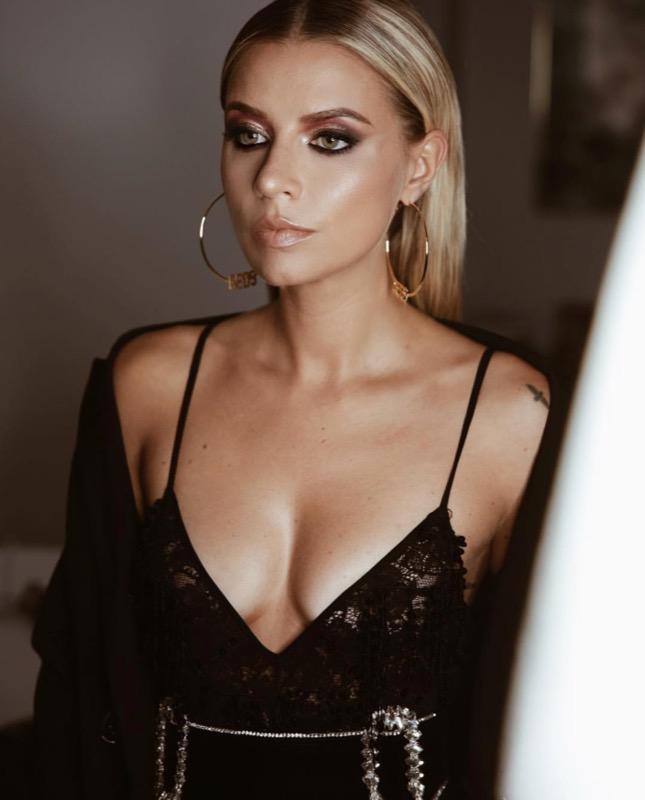ClioMakeUp-milano-fashion-week-2018-beauty-look-9-veronica-ferraro.jpg