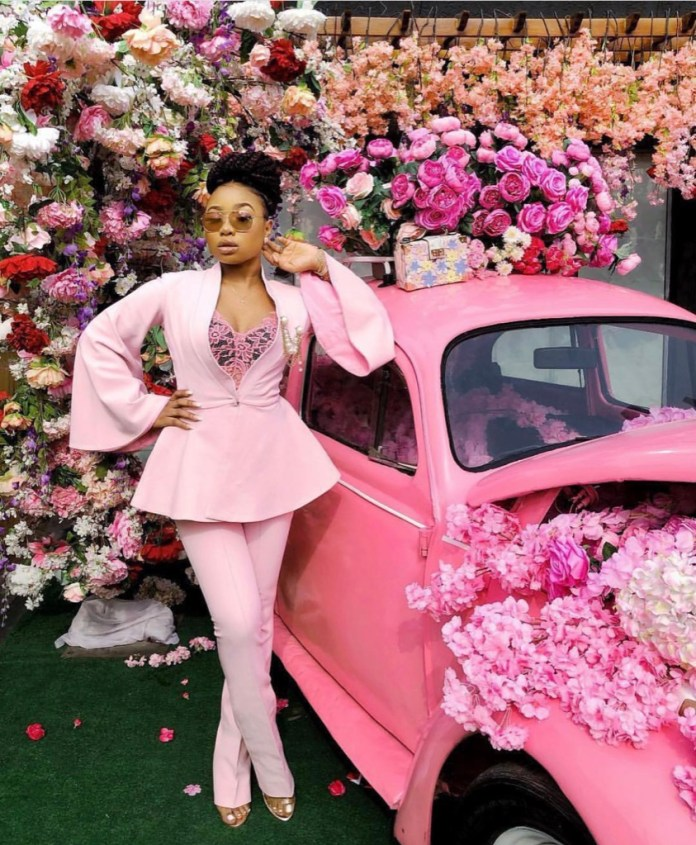ClioMakeUp-abbinare-capi-rosa-1-blazer-pantalone-auto.jpg