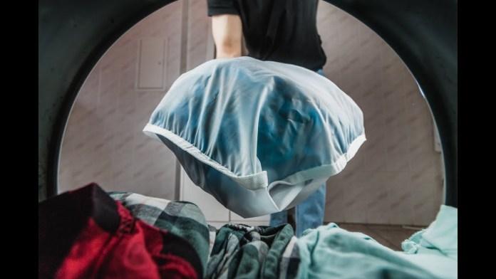 Cliomakeup-come-utilizzare-panno-struccante-16-lavatrice