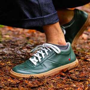 Chaussure verte sapin 1083, fabriquée en France en Auvergne-Rhône-Alpes