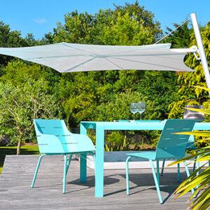 Mobilier de jardin bleu Art'Mely, fabriqué en France