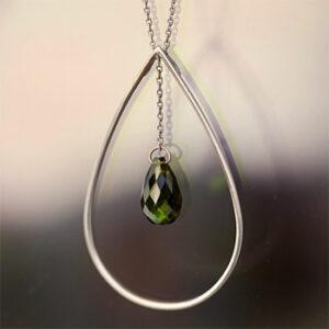 Caroline Roberti bijoux à pierres, fabriqués en France