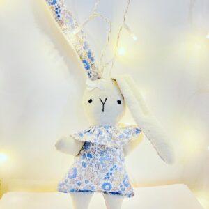 Doudou lapin fleuri Au Fil d'Isa, fabriqué en France au Havre en Normandie