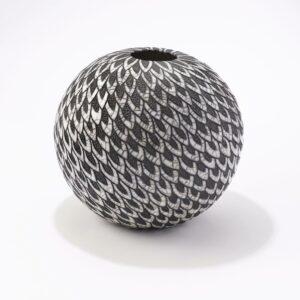 Vas rond en raku céramique noir et blanc Camille Campignion, fabriqué en France à Arras