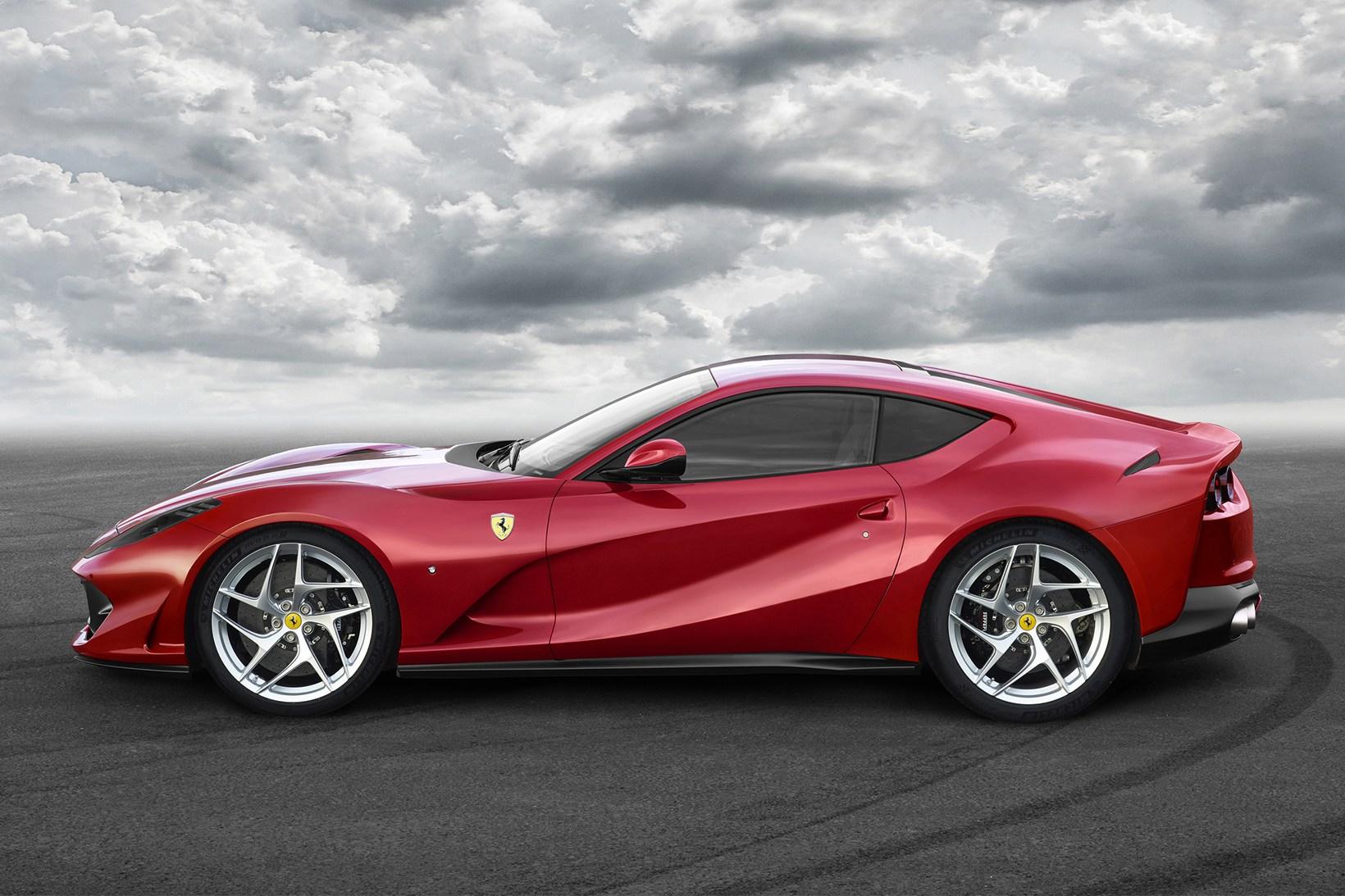 Ferrari 812 Superfast - 621124
