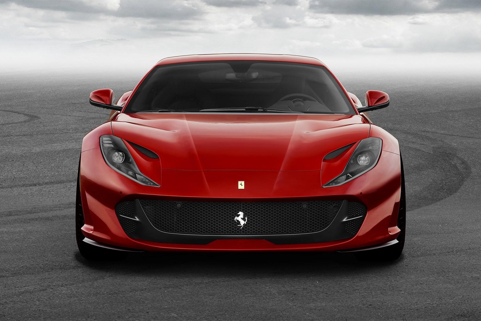 Ferrari 812 Superfast - 621125