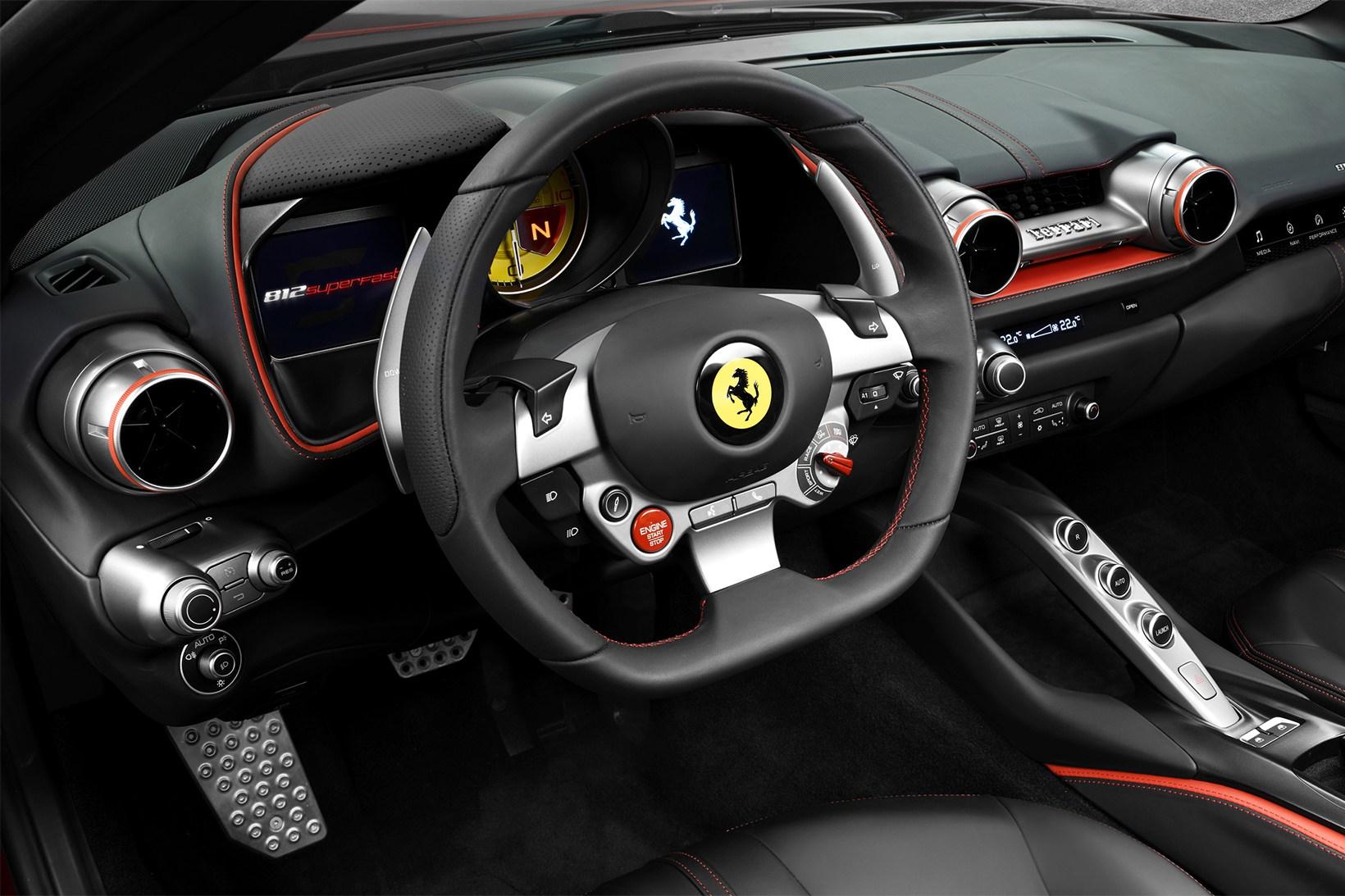 Ferrari 812 Superfast - 621128