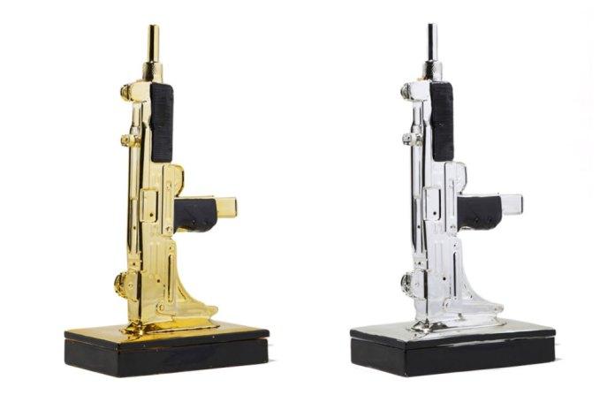 NEIGHBORHOOD 推出全新「烏茲衝鋒槍」造型香座