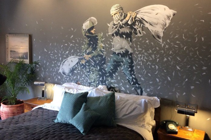 Banksy 於以色列和巴勒斯坦爭議領土開設酒店 Walled Off Hotel