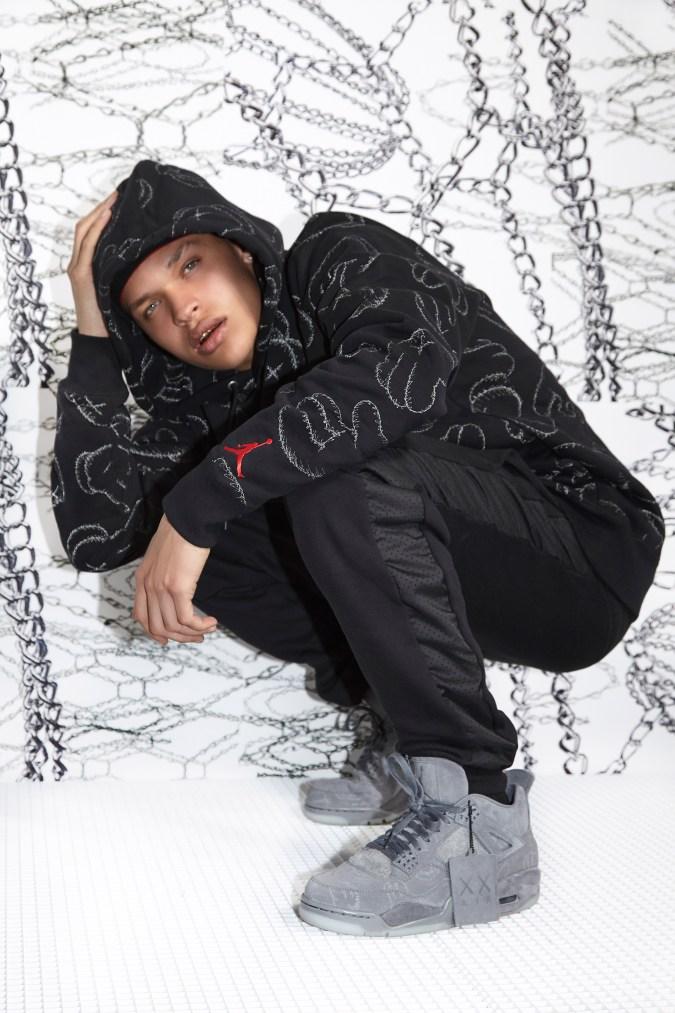 KAWS x Jordan Brand Official Release Date - 633865