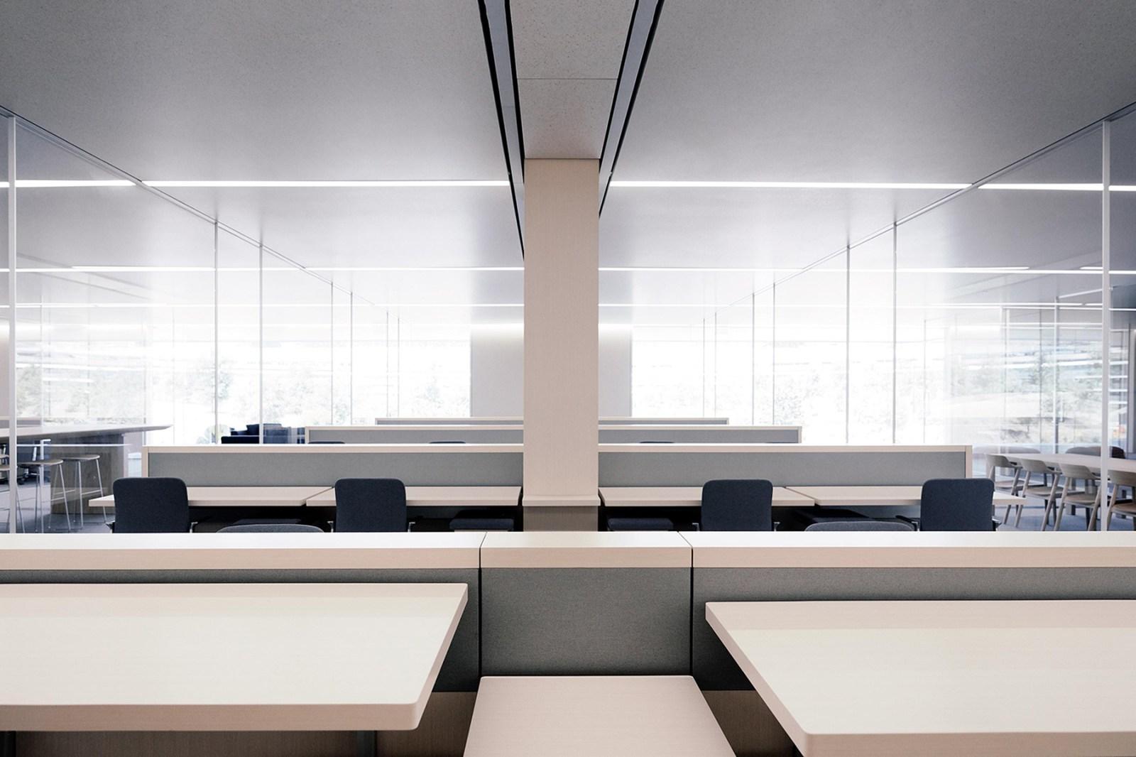 Apple Park Employees Quit Workspaces