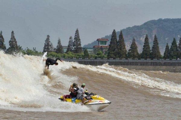 Самая высокая в мире речная приливная волна (29 фото ...