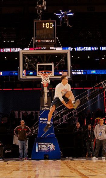 NBA forward Aaron Gordon practices with Intel's AscTec Neo drone ahead of the NBA 2017 Verizon Slam Dunk Contest, as part of NBA All-Star 2017 festivities. Intel and Aaron Gordon are collaborating on the first drone-assisted slam dunk attempt at the NBA 2017 Verizon Slam Dunk Contest, part of NBA All-Star 2017 festivities. (Credit: Intel Corporation)