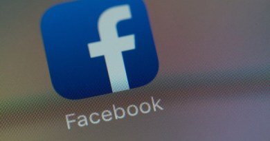 Facebook moves to shrink its legal liabilities under GDPR