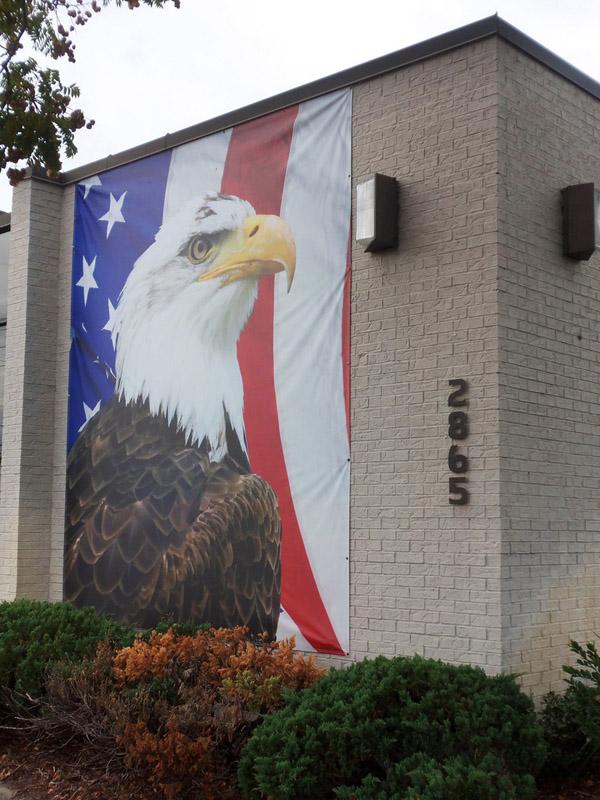 building-custom-banner-eagle