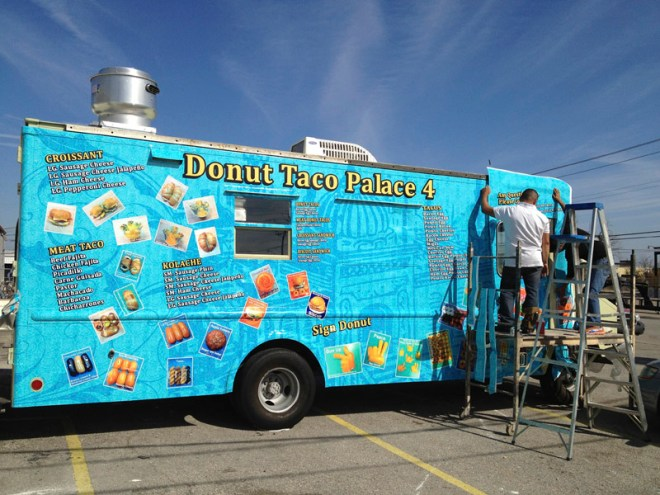 vehicle-graphics-wraps-austin-donut-taco-3 (1)