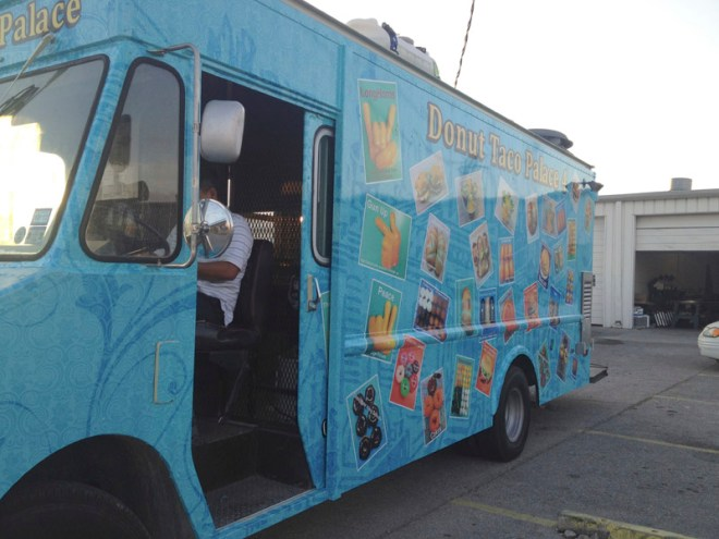 vehicle-graphics-wraps-austin-donut-taco-4