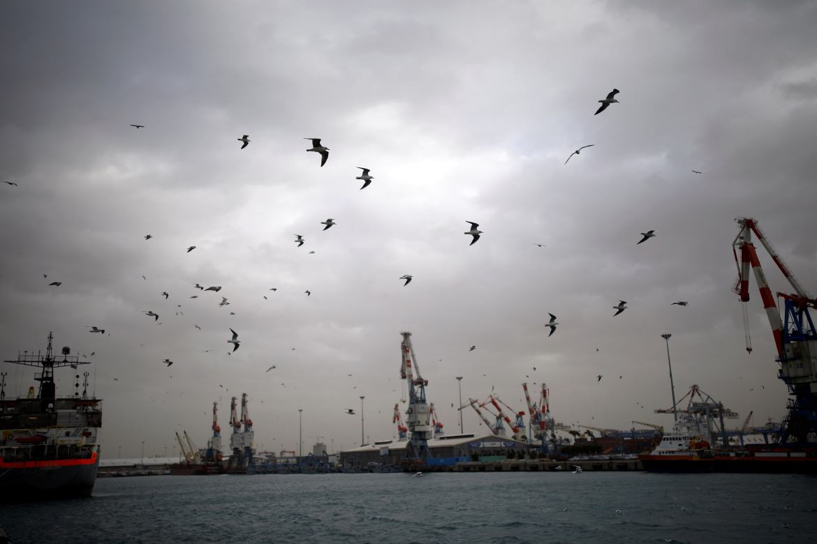 A general view shows seagulls in Ashdod port as a storm approaches Israel's shores January 4, 2018. (Reuters/Amir Cohen)