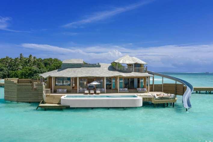 """في جزر المالديف.. يمكنك الآن المكوث في هذه الفلل فوق الماء التي تُعد  """"الأكبر في العالم"""" - CNN Arabic"""