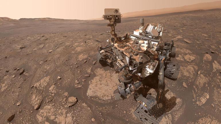 NASA's Curiosity takes a selfie on Mars
