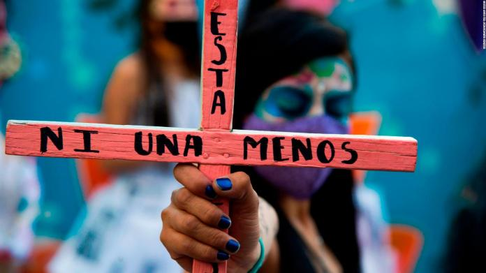 704 femicides in Mexico in 2020