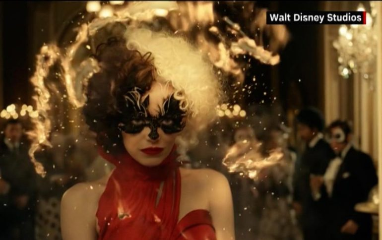 Creepy Emma Stone as Cruella de Vil